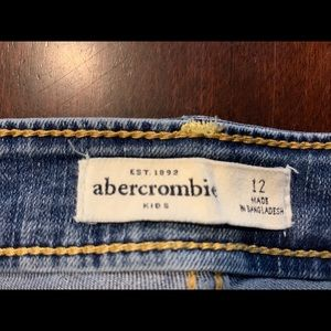 Excellent used Abercrombie Kids US 12 jeans!